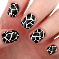 30 Super Creative Black and White Nail Art Designs - Be Modish Party Nail Design, Nail Design Spring, Nails Design, New Nail Art, Easy Nail Art, Nail Art Designs 2016, Nails Art 2016, Black And White Nail Designs, Nail Design