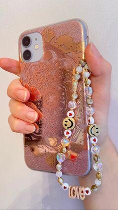 Beaded Jewelry, Beaded Bracelets, Beaded Necklace, Pulseras Kandi, Polka Dot Bags, Accesorios Casual, Jewelry Accessories, Handmade Accessories, Bijoux Diy