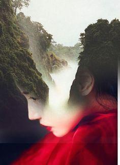 Antonio Mora faz retratos de mulheres e homens, usando dupla exposição com elementos naturais: ondas, montanhas, paisagens estonteantes, plantas e animais. | via
