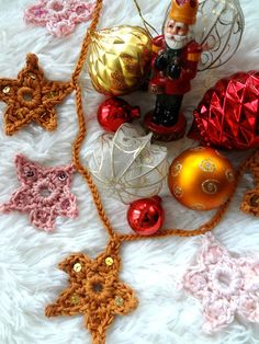 Quick Crochet, All Free Crochet, Learn To Crochet, Half Double Crochet, Single Crochet, Paper Lotus, Nightmare Before Christmas Ornaments, Crochet Stars, Star Garland