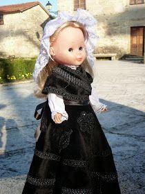 Girls Dresses, Flower Girl Dresses, Regional, Lace Skirt, Spain, Costumes, Dolls, Wedding Dresses, Fashion
