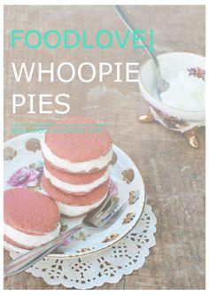 FOODLOVE | RED VELVET WHOOPIE PIES