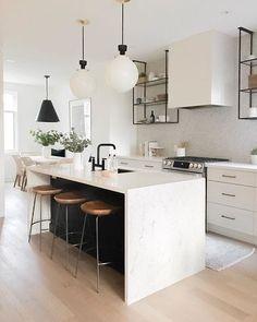 Home Decor Kitchen, New Kitchen, Kitchen Ideas, Kitchen Black, Kitchen Inspiration, Awesome Kitchen, Kitchen Trends, Apartment Kitchen, Kitchen Tips