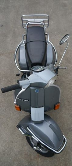 ..._vespa+ Vespa Motor Scooters, Piaggio Scooter, Vespa Bike, Scooter Motorcycle, Vintage Bikes, Vintage Vespa, Vespa Px 150, Vespa Retro, Fiat 500