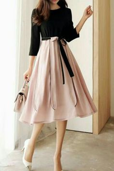 Korean Fashion Dress, Indian Fashion Dresses, Girls Fashion Clothes, Fashion Outfits, Dress Fashion, Fashion 2017, Fashion Trends, Classy Dress, Classy Outfits