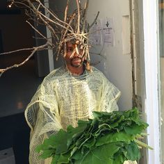 Jelili Atiku - Szukaj w Google Water Me, Headdress, African Fashion, Earth, Sculpture, Branches, Instagram Posts, Chicago, Trees