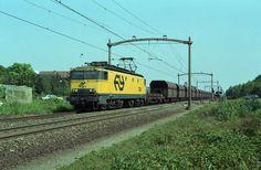 www.sporen-met-rob.n Locomotive, Dutch, Transportation, Tourism, Public, Train, Trains, Nostalgia, Turismo