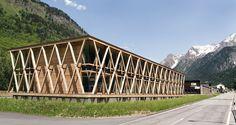 Gewerbezentrum im Bergell - DETAIL inspiration Detail Architecture, Timber Architecture, Timber Buildings, Architecture Tattoo, Creative Architecture, Classical Architecture, Toyo Ito, Wooden Facade, Centre Commercial