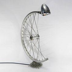 Recycler les roues du vieux vélo… Regardez ces 15 exemples créatifs!
