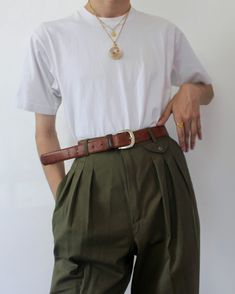 Easy trousers and a white tee - Easy trousers and a white tee The Effective Pictures We Offer You About outfits falda A quality pi - Retro Outfits, Cute Casual Outfits, Vintage Outfits, Preppy Outfits, Girly Outfits, Aesthetic Fashion, Aesthetic Clothes, Fashion Pants, Fashion Outfits