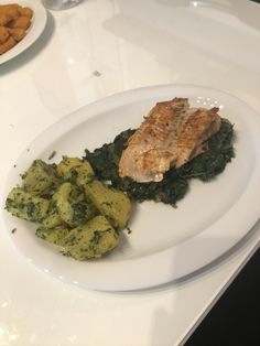 probiert mein neues Rezept für Lachs aus :-) Palak Paneer, Hot, Sweet, Ethnic Recipes, New Recipes, Cooking, Food Food, Candy