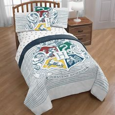 Harry Potter Hogwarts Houses Twin/Full Reversible Comforter With Full Sheets Warner Brothers Harry Potter, Harry Potter Bedroom, Harry Potter Bed Set, Harry Potter Hogwarts, Hogwarts Crest, Bed In A Bag, Hogwarts Houses, Full Bed, My New Room