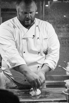Gabriele Bonci, King of Bread and Pizza, Roma, Italia Focaccia Pizza, Calzone, Mashed Potato Patties, Pizza Company, Pizza Express, Pizza Appetizers, Pizza Muffins, Dough Recipe, Prosciutto