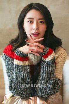 """ Hello Venus Nara Interview for Starnews "" South Korean Girls, Korean Girl Groups, Korean Beauty, Asian Beauty, Korean Celebrities, Celebs, Girls Dpz, Girl Bands, Nara"