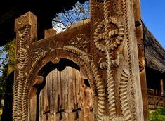 Porți de lemn în Secuime și în Maramureș – peterlengyel Romania, Lion Sculpture, Statue, Art, Art Background, Kunst, Performing Arts, Sculptures, Sculpture
