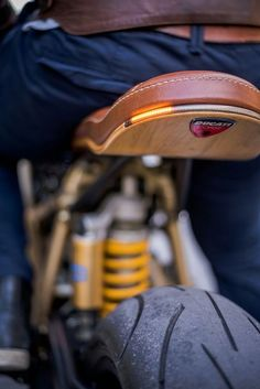 Ducati 996 Cafe Racer tanned, 3 comments – Ducati Obsession…Bmw R Nine T Cafe Racer Ducati Cafe Racer, Cafe Bike, Ducati Scrambler, Cafe Racer Motorcycle, Motorcycle Design, Bike Design, Yamaha, Motorcycle Seats, Ducati 996