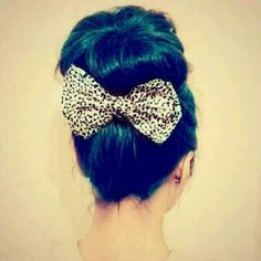 Love the bow!