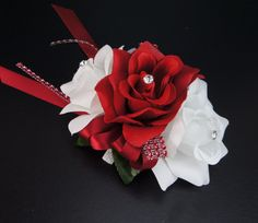 "Dimension:6"" L x 4"" Wide. Beautiful arrangement rose corsage with flexible wrist band"