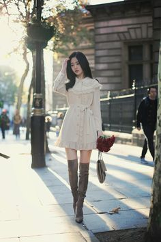 daily 2018 feminine & classy look F/W season Cute Skirt Outfits, Modest Outfits, Classy Outfits, Pretty Outfits, Beautiful Outfits, Korean Girl Fashion, Ulzzang Fashion, Asian Fashion, Kpop Fashion Outfits