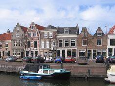 Huis met rijk versierde trapgevel in Brielle | Monument - Rijksmonumenten.nl