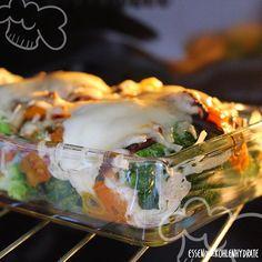 Low Carb Rezept für ein leichtes Brokkoli-Gemüsegratin. Wenig Kohlenhydrate und einfach zum Nachkochen. Super für Diät/zum Abnehmen.
