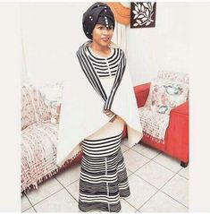 xhosa dresses 2018 Traditional Xhosa Clothing Xhosa women in traditional dress. African Wear, African Attire, African Dress, Traditional Dresses Designs, African Traditional Dresses, Xhosa Attire, Shweshwe Dresses, African Print Fashion, African Prints