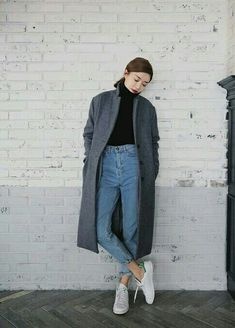 Latest womens fashion found at www.originalbloom… casual classics Latest womens fashion found at www.originalbloom… casual classics mode // my taste (Visited 1 times, 1 visits today) Look Fashion, Trendy Fashion, Autumn Fashion, Fashion Spring, Fashion Black, Fashion Ideas, Fashion Trends, Feminine Fashion, Trendy Style