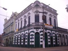 Prédios comerciais do Centro Histórico
