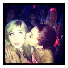 Nickelodeon Girls =] / Ariana Grande kissing Jennette McCurdy – KCA... via Polyvore