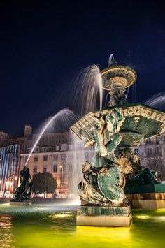 Fountain in Rossio, Lisboa downtown, Portugal