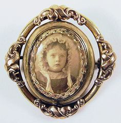 mourning jewelry// Mourning jewelry - Probably of a little girl who died. Her photo is so haunting.