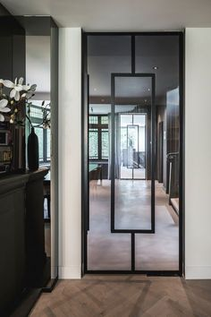 Door, design and realization by the architects and stylists of Kabaz. Glass Design, Door Design, House Design, Home Interior Design, Exterior Design, Interior And Exterior, Unique Doors, Iron Doors, Steel Doors