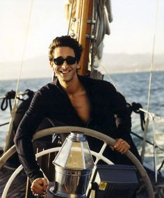 This is just an Adrien Brody appreciation blog. I don't own or claim rights over any of the pictures...