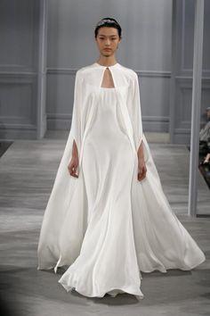 Картинки по запросу свадебное платье с накидкой со шлейфом