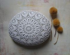 Wedding Table Decor Home Decor Crochet Lace Stone by Monicaj Crochet Stone, Crochet Diy, Crochet Hooks, Crochet Circles, Cow Skull, Floral Motif, Wedding Table, Needlework, Crochet Earrings