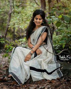 Dancing Painting Sweets 55 Ideas For 2019 Onam Saree, Kasavu Saree, Bengali Saree, Indian Sarees, Indian Photoshoot, Saree Photoshoot, Beautiful Saree, Beautiful Indian Actress, Set Mundu Kerala