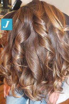 Spotted in salone! Ecco le nostre SFUMATURE NATURALI... #cdj #degradejoelle #tagliopuntearia #degradé #welovecdj #igers #naturalshades #hair #hairstyle #haircolour #haircut #fashion #longhair #style #hairfashion