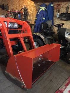 Bucket extension for moving snow. Made of 10 ga. steel easy build works very well. Compact Tractor Attachments, Garden Tractor Attachments, Skid Steer Attachments, Tractor Snow Plow, Sub Compact Tractors, Landscape Rake, Tractor Accessories, Landscaping Equipment, Tractor Implements