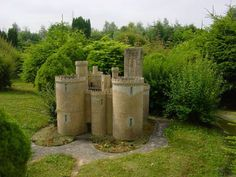 Castello di Montbrun-FRANCE
