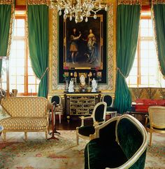Jacques Garcia French chateau Looks Looks high end English, like Henrietta Churchill or Nina Campbell