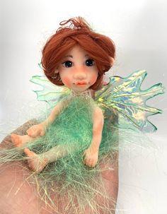 Polymer Clay Dolls, Polymer Clay Miniatures, Miniature Fairy Figurines, Magical Images, Fairy Art, Fairy Dolls, Pixies, Fantasy Creatures, Handmade Items