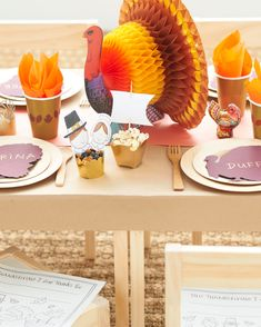 Thanksgiving Traditions, Thanksgiving Crafts, Happy Thanksgiving, Thanksgiving Parties, Thanksgiving Decorations, Fun Crafts, Crafts For Kids, Paper Crafts, Martha Stewart Thanksgiving