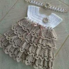 Crochet pink and gray baby dress set with rosebuds comes with How To Crochet Baby Booties Sandals - Free Crochet Patterns ✔ c - Salvabrani Image gallery – Page 397231629632509971 – Artofit No pattern :/el isi Baby Knitting Patterns, Baby Patterns, Crochet Patterns, Baby Girl Crochet, Crochet Baby Clothes, Knit Baby Dress, Creation Couture, Crochet Projects, Knit Crochet