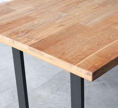Table à manger rectangulaire en acier et teck naturel