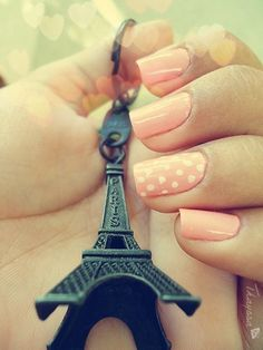 I need an eiffel tower keychain so when I go shopping I'll remember I'm supposed to be saving for my trip to Paris!!