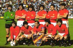 1978 Spain ( World Cup) : Miguel Angel - Leal - Marcelino - Biosca - San Jose - Olmo Cardenosa - Uria - Asensi - Santillana - Juanito Football Squads, World Football, Football Team, World Cup Teams, Fifa World Cup, Image Foot, Squad Photos, Football Images, Soccer League