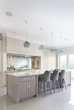 Contemporary Open Plan Kitchen, Theydon Bois – Humphrey Munson Kitchens – Home living color wall treatment kitchen design Open Plan Kitchen Living Room, Home Decor Kitchen, Kitchen Interior, New Kitchen, Home Kitchens, Dining Room, Kitchen Ideas, Open Plan Kitchen Diner, 1950s Kitchen
