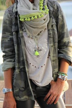 camuflage and fluor details   Chicisimo