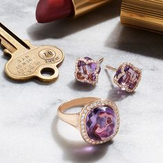 5 minutes is all it takes to leave the house in style with #amethyst accents.