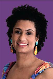 Marielle Franco é mulher, negra e mãe. Cria da favela da Maré, é socióloga formada pela PUC-Rio e mestra em Administração Pública pela Universidade Federal Fluminense (UFF).